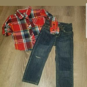 Old navy plaid shirt/destructed Jean's 3t